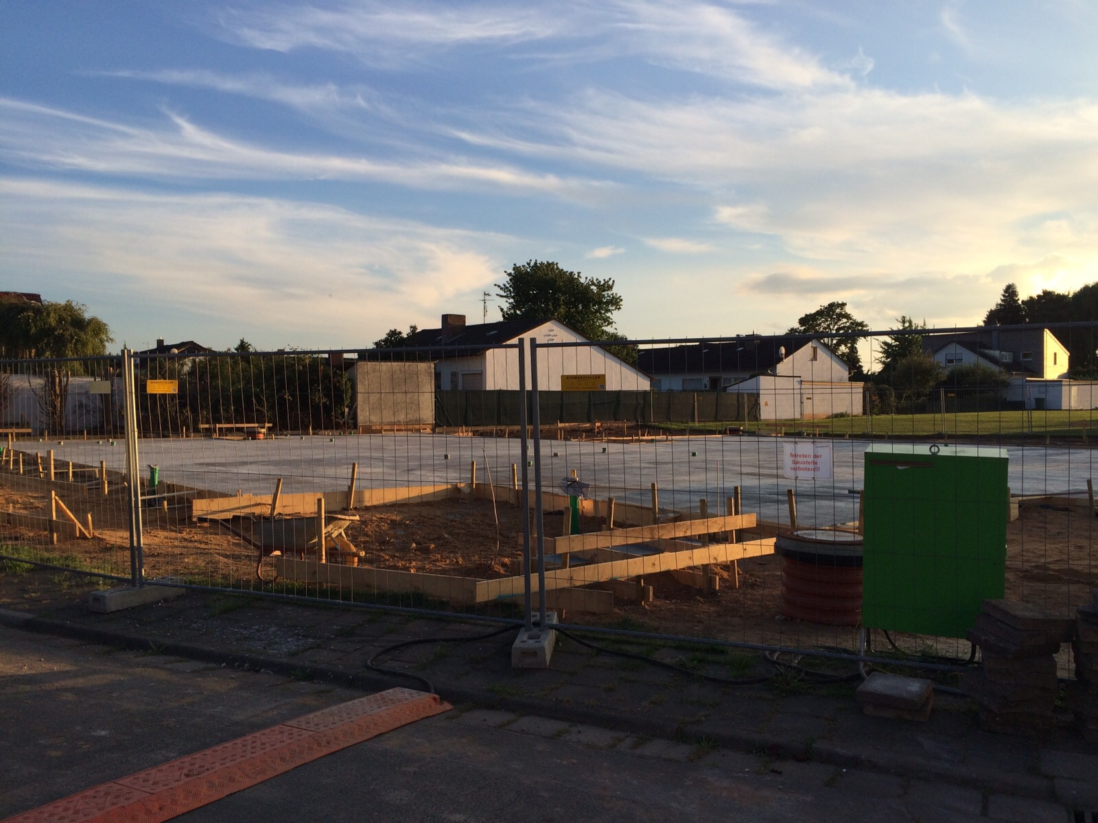 9. September 2015: Die Bodenplatte ist fertig.